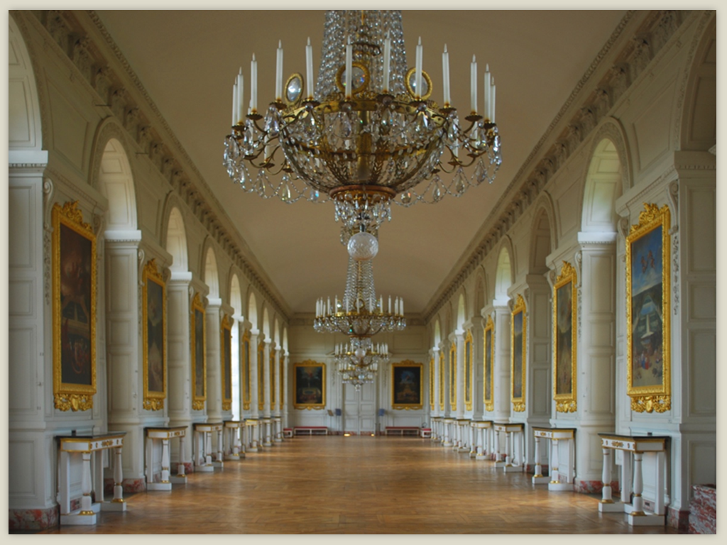 grand-trianon-castle-interior